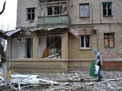 Бои в Дебальцево продолжаются из-за позиции руководителей ДНР и ЛНР, уверен эксперт  // Russian Look