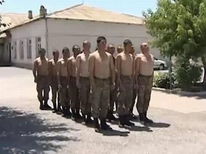 Солдаты в Армении // Кадр Youtube