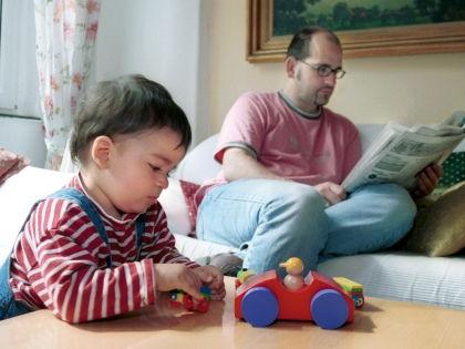 Новые игрушки не заменят ребенку внимания родителей // Global Look Press