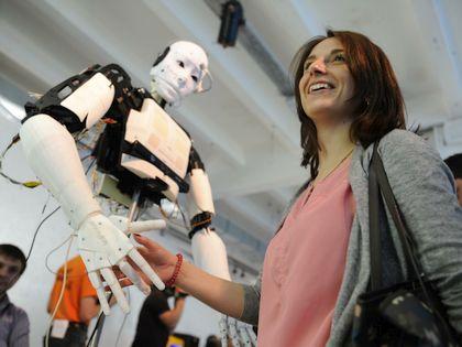 """«Мы же роботов воспринимаем как что-то необычное, как что-то такое """"вау!""""» // Anton Belitsky / Global Look Press"""