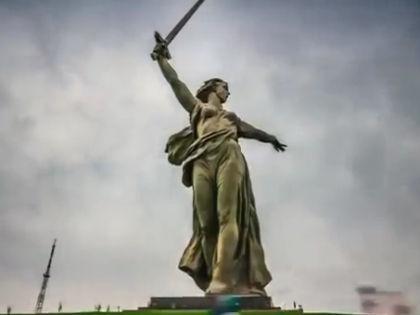 """Скульптура """"Родина-мать зовет!"""" в Волгограде // кадр Youtube.com"""