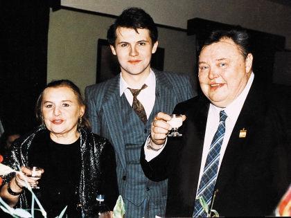 Нина Гуляева 45 лет прожила в браке с Вячеславом Михайловичем. В 1965 году у них родился сын, его назвали в честь отца // Андрей Струнин / «Собеседник»