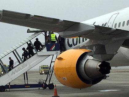 Родственники жертв крушения А321 потребуют компенсацию у американской компании // Global Look Press