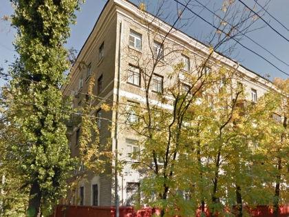 Дом по Новогиреевской улице, где находится квартира размером в 1 квадратный метр // Google Maps
