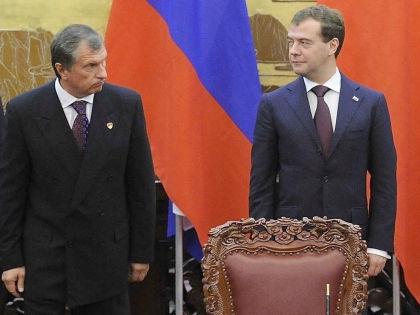 Дмитрий Медведев и Игорь Сечин // Russian Look
