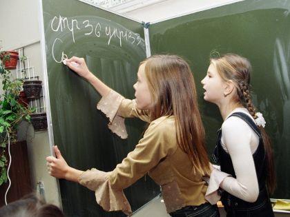 в школьной раздевалке для девочек камера фото