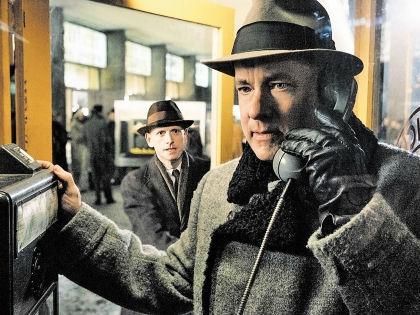 И в США, и в России в моду входит кино о шпионах // Кадр из фильма «Шпионский мост»