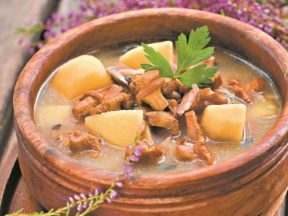 Суп из лисичек с репой // Shutterstock