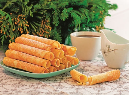 Крумкаке лучше всего есть с чаем // Shutterstock