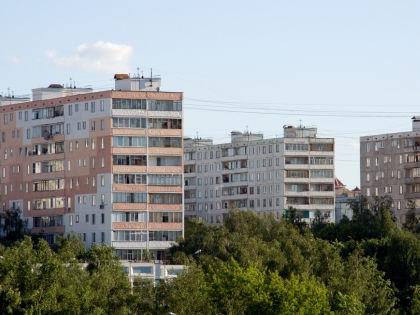Риэлторы-мошенники часто пытаются продать квартиры, из которых невозможно выписать бывших жильцов // Евгений Донцов / Shutterstock
