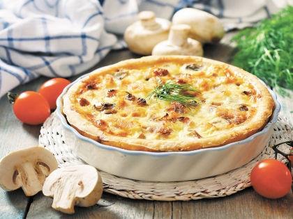 Пирог одинаково вкусен и горячий, и когда остыл // Shutterstock