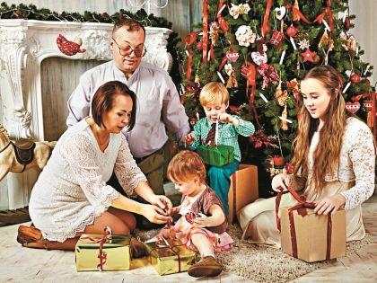 Дизайнеры советуют заняться украшением квартиры всей семьей // Shutterstock