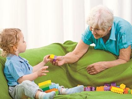 Бабушка не должна быть слишком мягкой или слишком строгой // Shutterstock