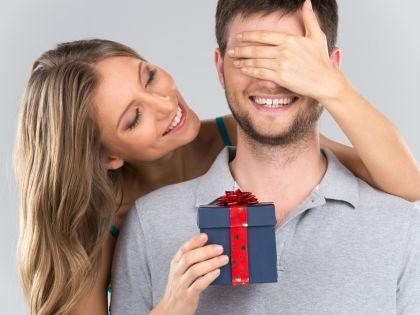 Забудьте о типичных подарках: бритвах, гелях для бритья и трусах // Shutterstock