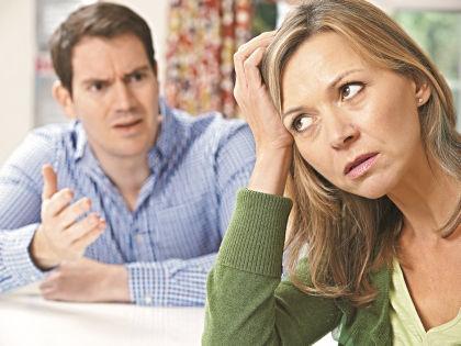 Неумение слушать друг друга разрушило не один брак // Shutterstock