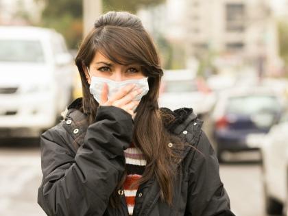 От апрельской городской пыли, учитывая ее сомнительное происхождение, хорошо бы защищаться // Shutterstock