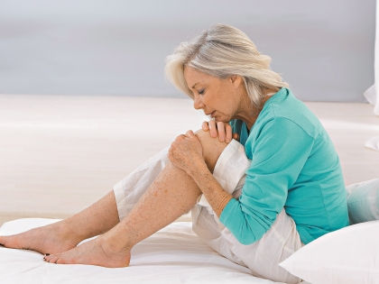 Болезненные ощущения могут говорить о вирусной инфекции или застарелой травме // Shutterstock
