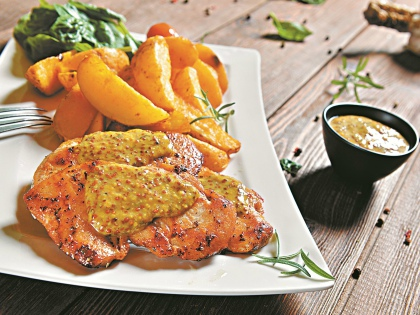 Куриные грудки под горчичным соусом // Shutterstock