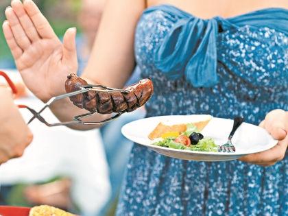 Тяга к мясным блюдам говорит о недостатке витаминов в организме // Shutterstock
