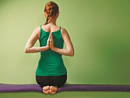Упражнение «Цветок лотоса» // Shutterstock