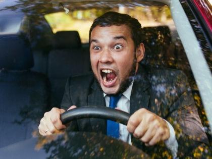 Жизнь автолюбителей – бесконечная борьба с автобюрократами // Shutterstock