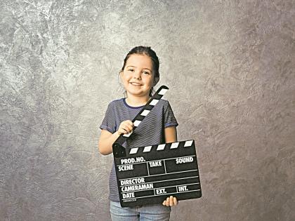 Расскажите, а лучше покажите ребенку, как снять кино собственного производства // Shutterstock
