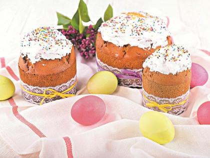 Посчитать тех, кто будет красить яйца и печь куличи на Пасху, сложно // Shutterstock