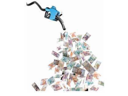 Потребление бензина зависит не только от объема двигателя, но и от стиля вождения // Shutterstock