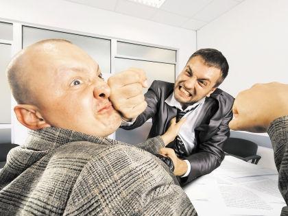 Нападение на чиновника // Shutterstock