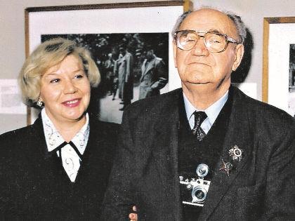 Евгений Халдей с дочерью Анной // личный архив Евгения и Анны Халдей