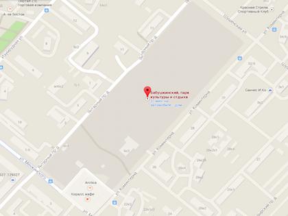 Труп обнаружили прохожие на детской площадке, они вызвали правоохранителей // Google Maps
