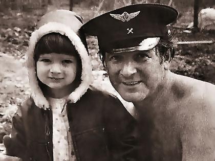 Александр Белявский с сыном Борисом // Стоп-кадр «Первого канала»