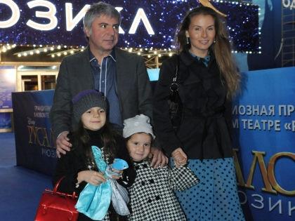 Сосо Павлиашвили с гражданской женой Ириной и детьми // Мила Стриж