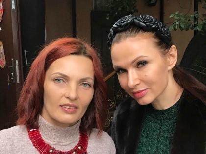 Эвелина Блёданс с сестрой // из личного архива