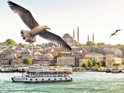 Первое, без чего не обойтись туристу в Стамбуле - это напитки // Shutterstock
