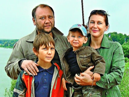 Вдова актера: Сын так сильно похож на Юру, что мне иногда даже не верится // личный архив семьи Степановых