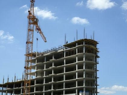 Необходимо решить две задачи, одна из которых — поддержка строительной отрасли // Nikolay Gyngazov / Global Look Press