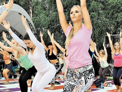 Не реже чем раз в месяц в парках отдыхают 52% москвичей (среди молодежи – 78%) // Андрей Струнин / «Собеседник»