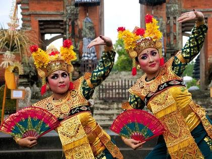 Танцы Бали // архив редакции