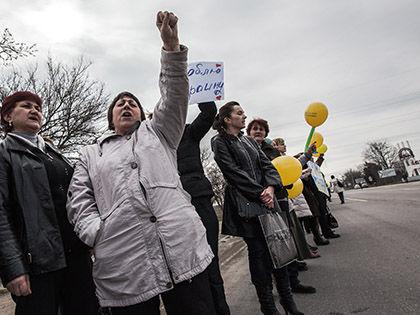 Присоединение Крыма к России Комитет по защите прав крымско-татарского народа называет захватом // Дэниэл ван Молл / Global Look Press