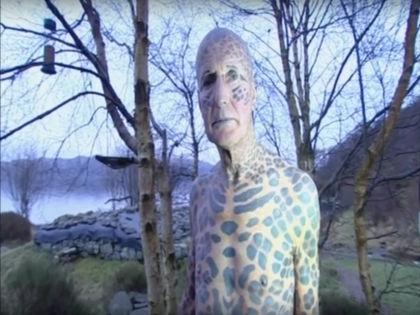 Самый татуированный в мире пенсионер Том Леппард // Кадр YouTube