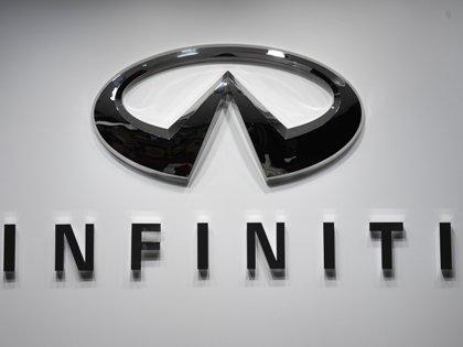На отозванных Infiniti F35 и FX45 бесплатно для владельцев заменят подушки безопасности, а в моделях M35 и M45 — газогенераторы подушек // Uli Deck / Global Look Press