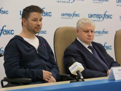 Руководитель проекта «Волонтер Dislife» Юрий Ковалев и Сергей Миронов // архив