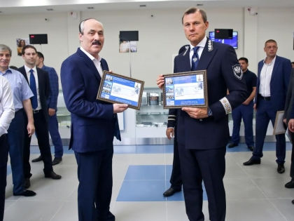Рамазан Абдулатипов и Дмитрий Страшнов // архив редакции
