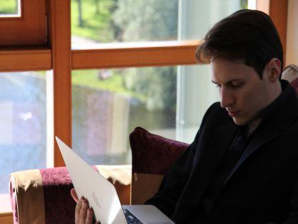Дуров посидел в гримёрке рокеров // Global Look Press
