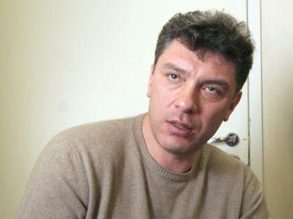 Убийцы нанесли Борису Немцову минимум четыре пулевых ранения, говорит адвокат убитого политика // Замир Усманов / Russian Look