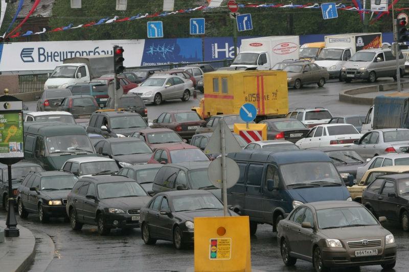 Из-за перевернувшегося грузовика на МКАД образовалась трехчасовая пробка // Zamir Usmanov / Russian Look