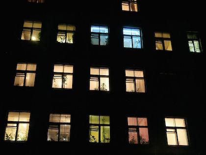 Квартира, из которой выпал подросток, находится на пятом этаже //  Замир Усманов / Russian Look