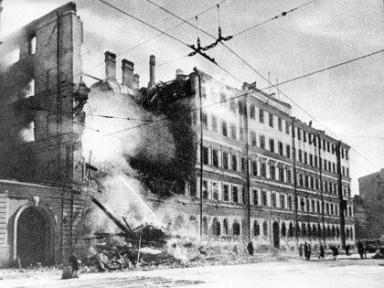 Во многом из-за сталинского руководства СССР оказался в первые недели войны на краю пропасти // global look press