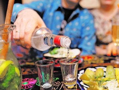 Любой вспомнит с полпинка такой напиток, как водку // Shutterstock